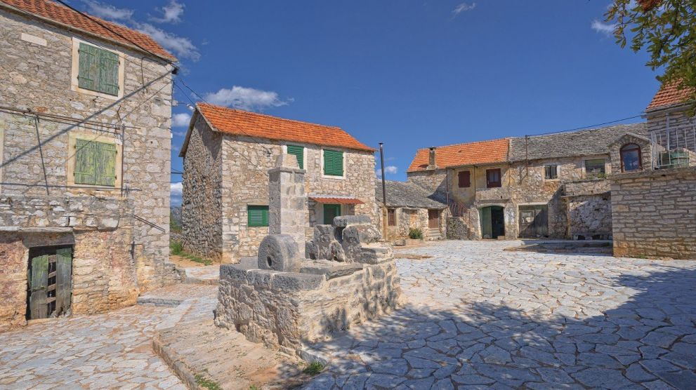 Villas Hvar Hero Image